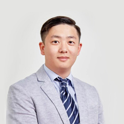 Jonathan Liu: Lawyer/Marketing & Business Development Officer